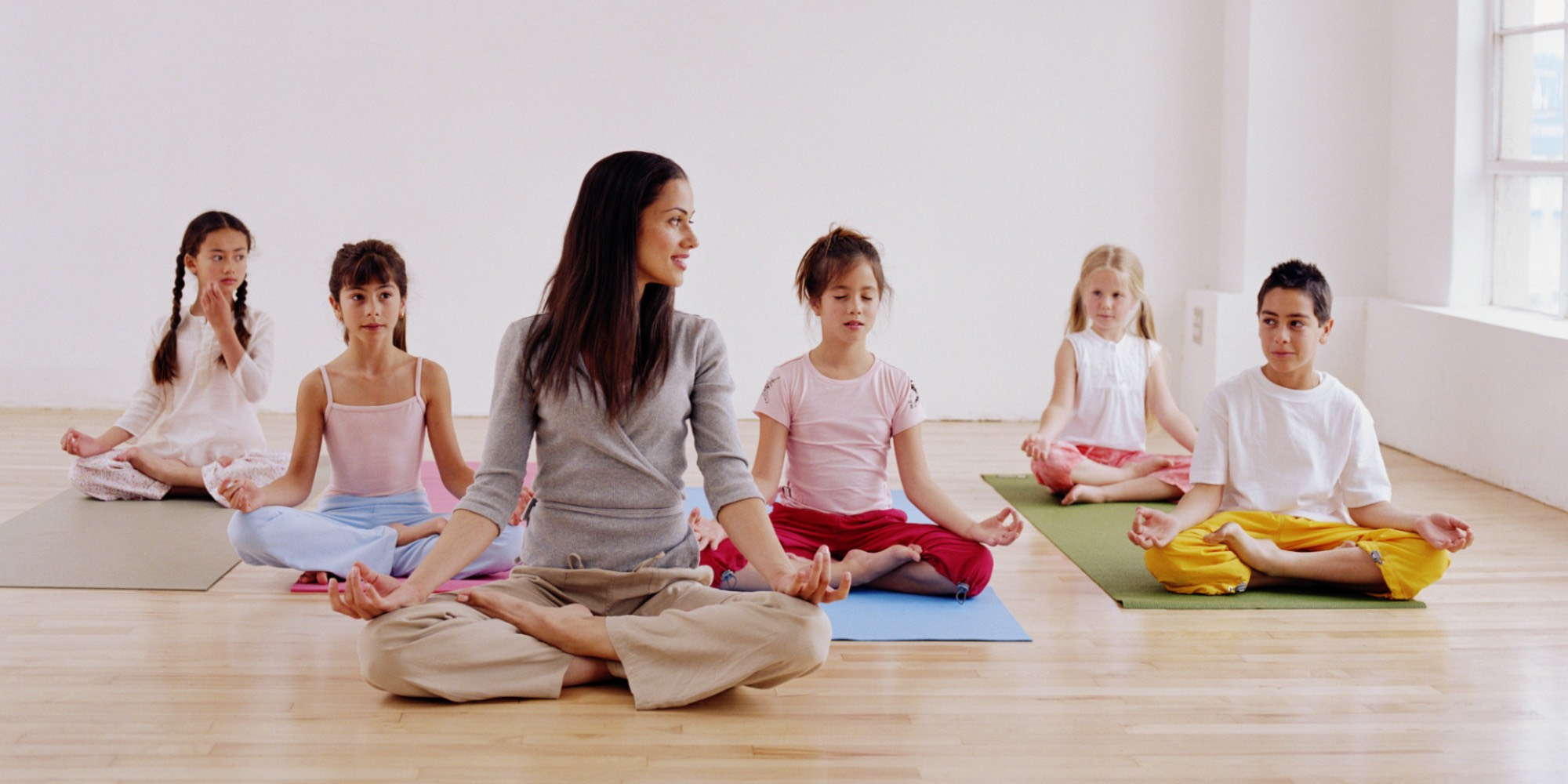 Yoga para ni os estas son las razones por las que vas a for Minimalist living with children