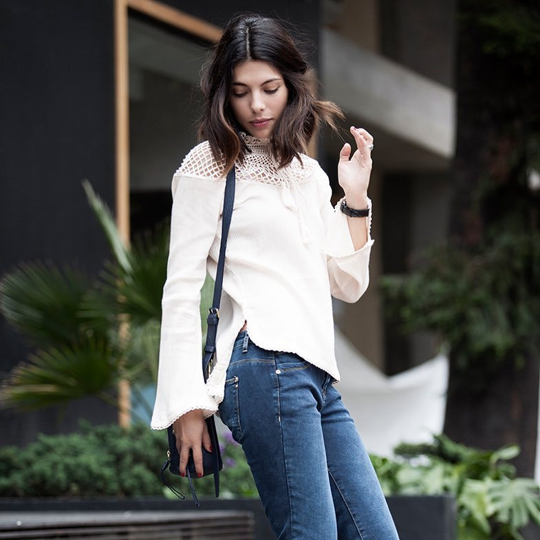 Outfit con camisa blanca