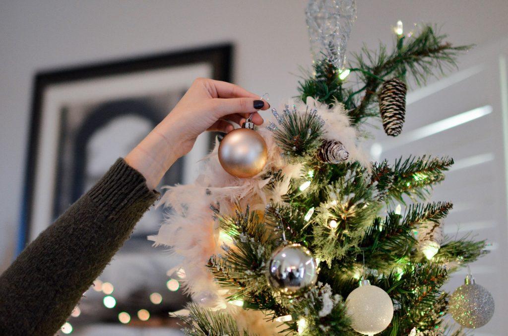 como decorar un arbol de navidad adornos