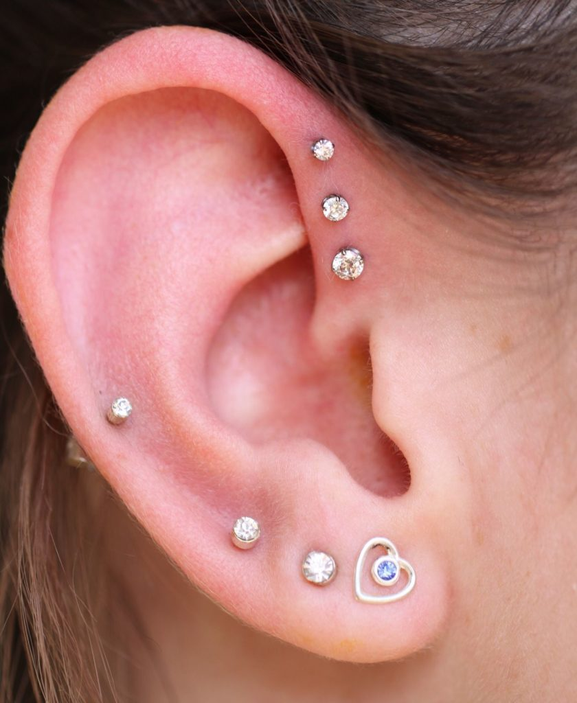 piercings en la oreja tipo anti helix