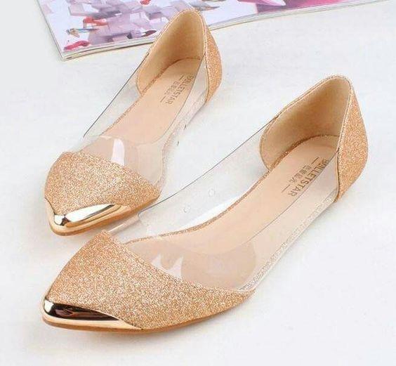 zapatos dorados bajitos