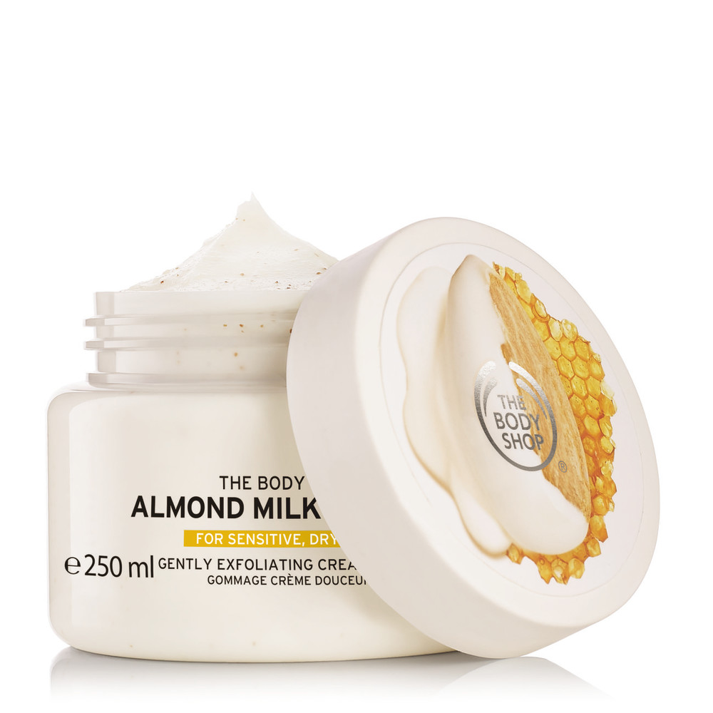 Exfoliante corporal de the body shop leche de almendras